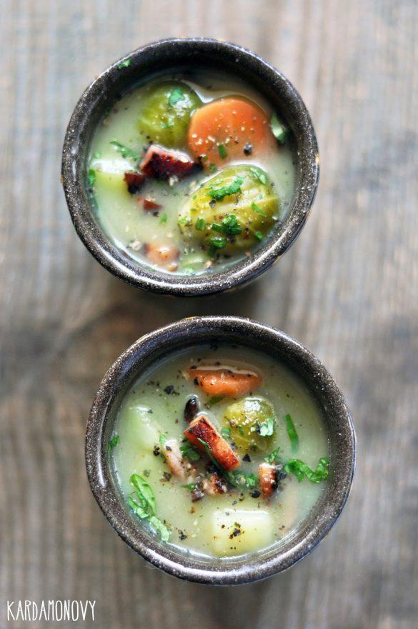 Zupa z brukselki i szynki