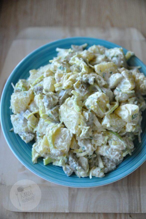 Sałatka grillowa z ziemniakami, porem i ogórkami konserwowymi