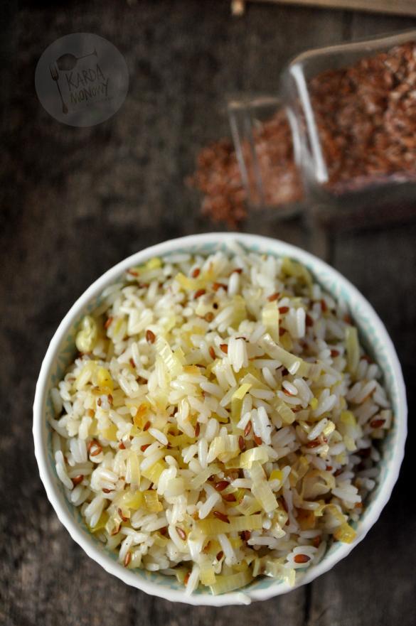 Ryż smażony z porem z siemieniem lnianym