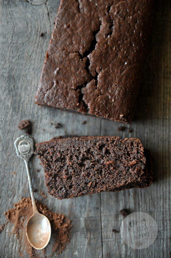 Bezglutenowe ciasto z czerwonej fasoli i kakao