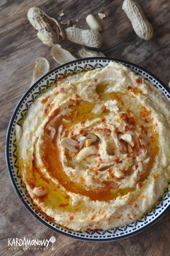 Hummus z masłem orzechowym, oliwą i kminem rzymskim