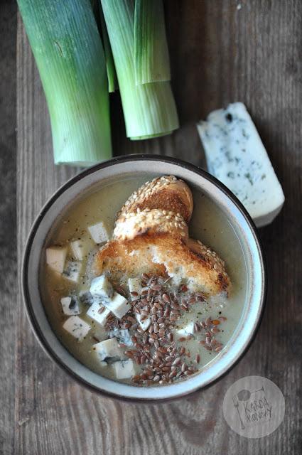 Zupa krem z pora z grzankami i serem pleśniowym