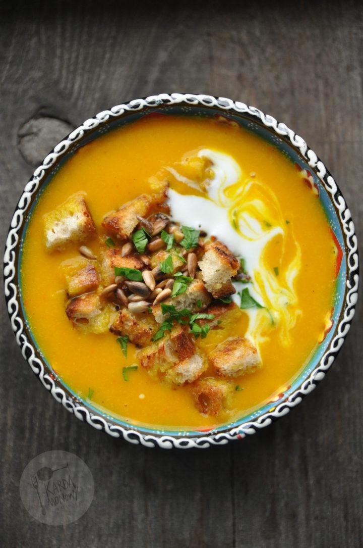 Krem z pieczonej dyni z curry