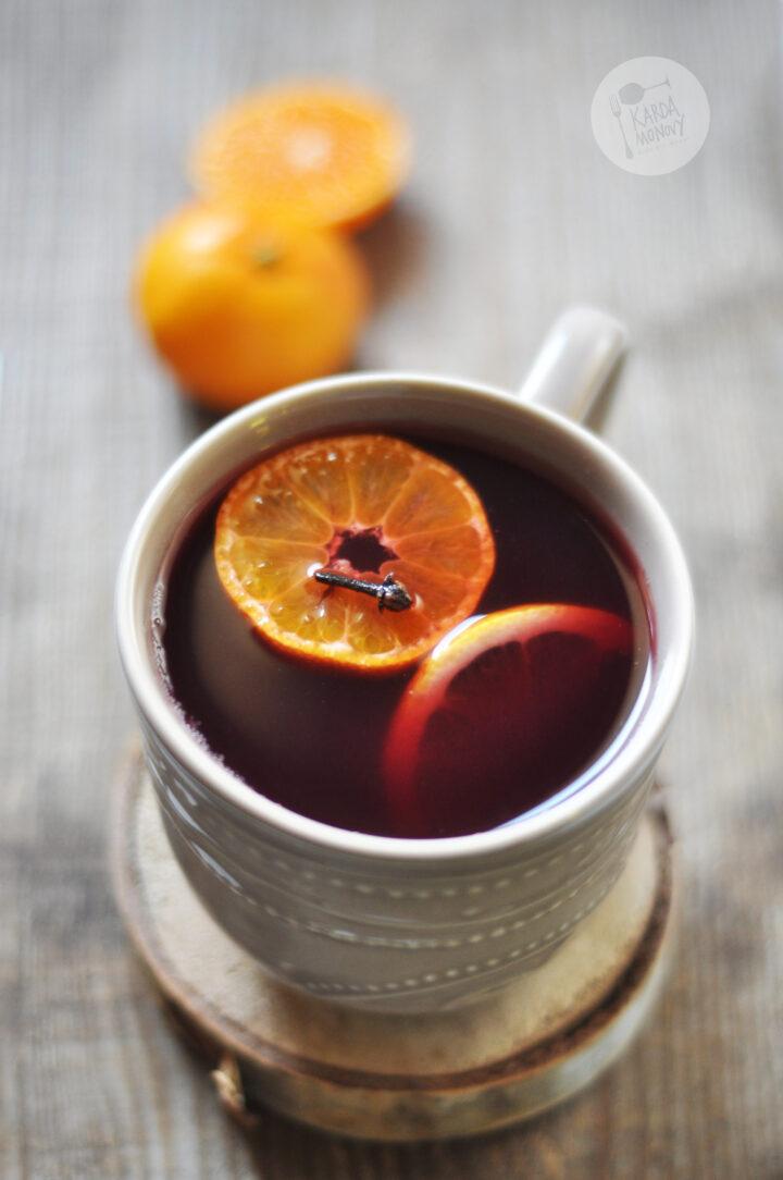Grzane wino z mandarynkami i suszonymi śliwkami
