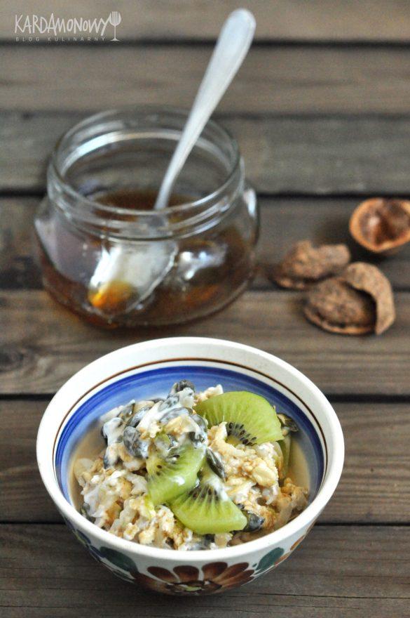 Bircher musli z kiwi i sokiem jabłkowym