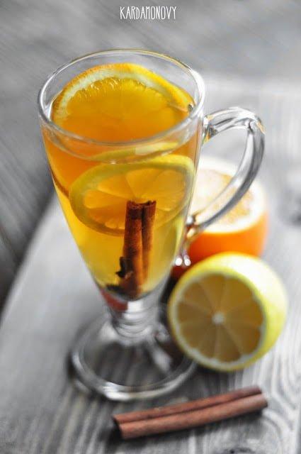 Grog z cytryną, pomarańczą i cynamonem