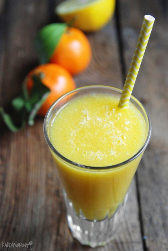 Koktajl z mandarynkami, melonem i mango