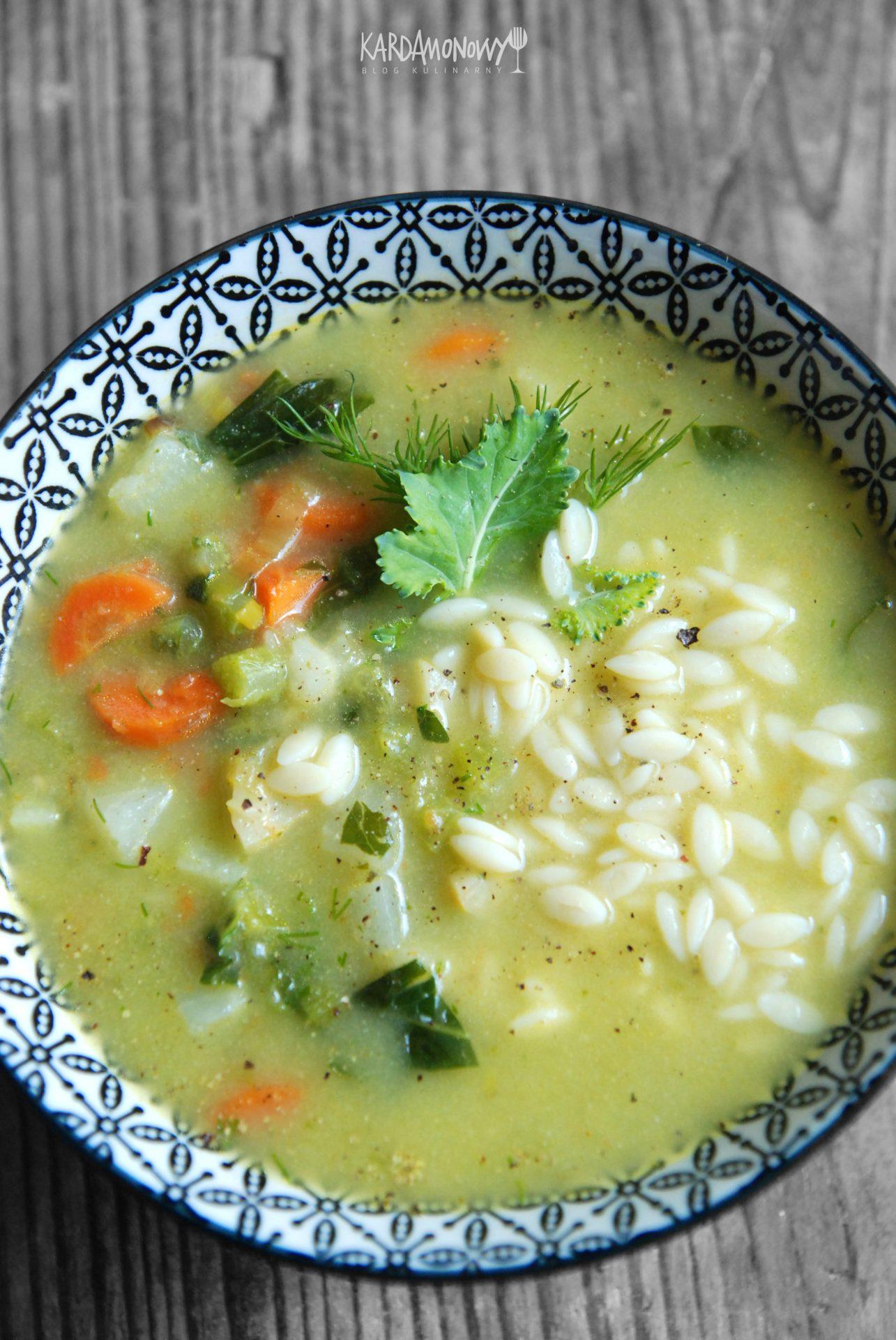 Zupa kalarepowa z makaronem